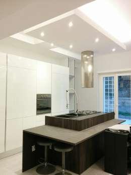 Una casa moderna dall 39 enorme potenziale a roma for Casa moderna ma calda