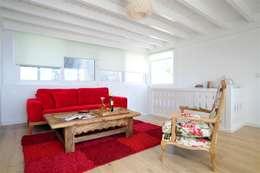 Ebru Erol Mimarlık Atölyesi – Ebru Erol Mimarlık Atölyesi: akdeniz tarzı tarz Oturma Odası