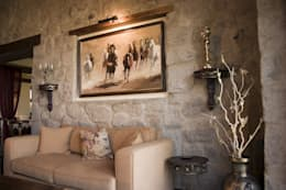 Salas de estar clássicas por Ebru Erol Mimarlık Atölyesi