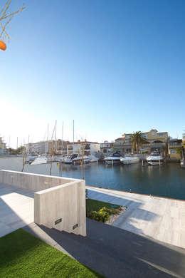 Jardines de estilo minimalista por HD Arquitectura d'interiors