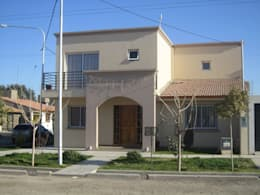 Casas de estilo  por Arq. Leticia Gobbi & asociados