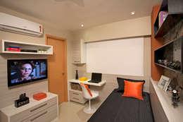 modern Bedroom by Deise Maturana arquitetura + interiores
