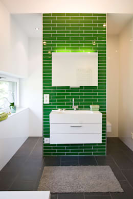 BAD: minimalistische Badezimmer von ARCHITEKTEN GECKELER