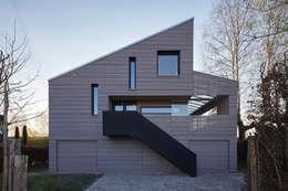 WESTFASSADE: moderne Häuser von ARCHITEKTEN GECKELER