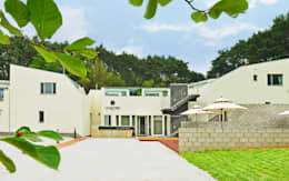 Rumah by 건축사사무소 어코드 URCODE ARCHITECTURE