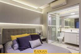 Projekty,  Sypialnia zaprojektowane przez Raduan Arquitetura e Interiores