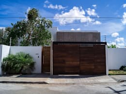 Fachada principal : Casas de estilo moderno por Fdz/Esquivel Arquitectura