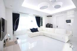 컨셉: 로하디자인의  거실