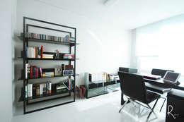 서재: 로하디자인의  서재 & 사무실