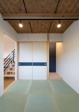 Phòng giải trí by 中村建築研究室 エヌラボ(n-lab)