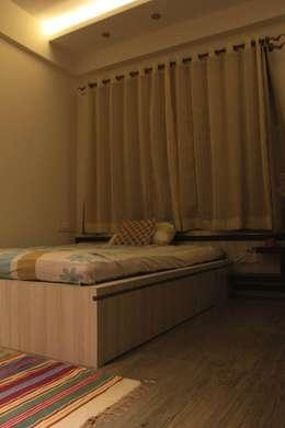 Children's Bedroom: modern Bedroom by Soul Ziv Architecture