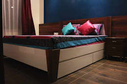 Bedroom 2: modern Bedroom by Soul Ziv Architecture