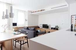 Salones de estilo minimalista de Didonè Comacchio Architects