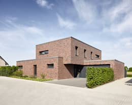 Casas de estilo moderno por Fourmove Architekten