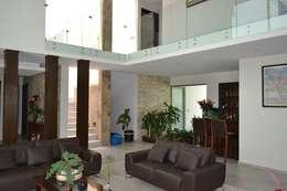Estancia: Salas de estilo moderno por ANTARA DISEÑO Y CONSTRUCCIÓN SA DE CV
