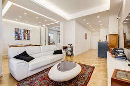 Farnesina   minimal design: Soggiorno in stile in stile Minimalista di EF_Archidesign