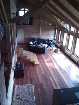 Casa Estudio Spinelli: Livings de estilo moderno por Dušan Marinković - Arquitectura