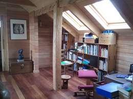 Casa Estudio Spinelli: Estudios y biblioteca de estilo  por Dušan Marinković - Arquitectura