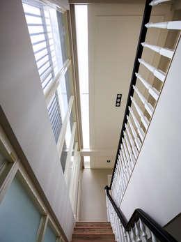 Glocal Architecture Office (G.A.O) 吳宗憲建築師事務所/安藤國際室內裝修工程有限公司의  복도 & 현관