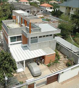 ทัศนีภาพภายนอก:  บ้านและที่อยู่อาศัย by SDofA Architect