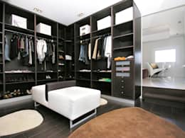 colonial Dressing room by TRAZOS D´INTERIORS