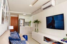 Salas / recibidores de estilo moderno por Studio MAR Arquitetura e Urbanismo
