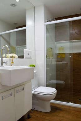 Baños de estilo moderno por Studio MAR Arquitetura e Urbanismo