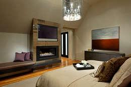 Master Bedroom: modern Bedroom by Douglas Design Studio
