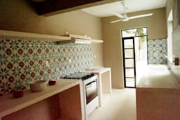 Cocina: Cocinas de estilo ecléctico por Quinto Distrito Arquitectura