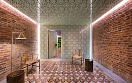 Loke Thye Kee Residences:  Hotels by MinistryofDesign