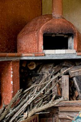 Fazenda Palmares - Ampliação: Cozinhas campestres por CABRAL Arquitetos