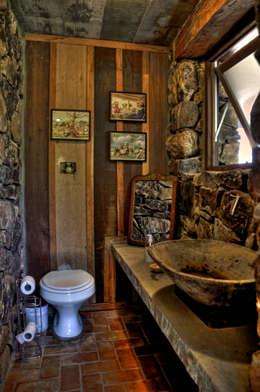 Ванная комната в . Автор – CABRAL Arquitetos