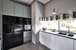 Kuchnia: styl , w kategorii Kuchnia zaprojektowany przez Mhomestudio