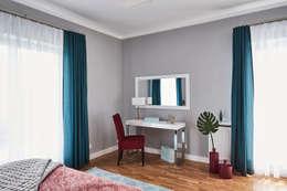 Główna sypialnia: styl , w kategorii Sypialnia zaprojektowany przez Mhomestudio