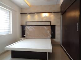 Modern Bedroom Sets Online In Bangalore: asian Bedroom by Scale Inch Pvt. Ltd.