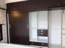 Wooden Cupboard Online: asian Bedroom by Scale Inch Pvt. Ltd.