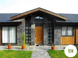 Nhà by REW. Arquitectura & Diseño