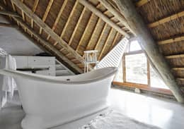 Kleinbos: rustic Bathroom by Full Circle Design