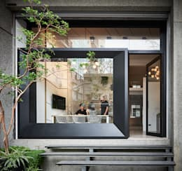 Offices & stores by 臣田設計