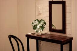 전주인테리어 디자인투플라이 - 킨포크 스타일의 전주한옥마을 안녕제제 게스트하우스: 디자인투플라이의  침실