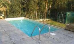 庭院泳池 by Rusticasa