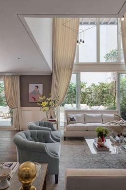 رہنے کا کمرہ  by MAAD arquitectura y diseño