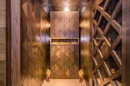 Residential-Chintubhai:  Corridor, hallway & stairs  by J9 Associates