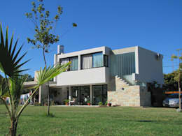 VIVIENDA EN COLASTINE: Casas de estilo moderno por DUA Arquitectos