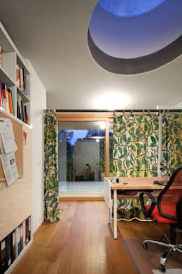 modern Study/office by illichmann-architecture