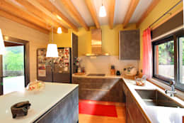 Kitchen units by Rusticasa