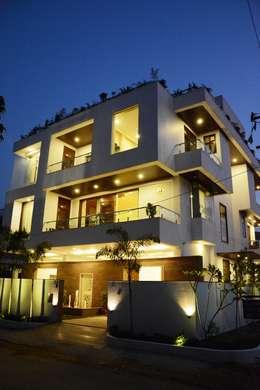 Bungalow Exterior: modern Houses by VB Design Studio
