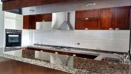Cocina: Cocinas de estilo rústico por Abitar arquitectura