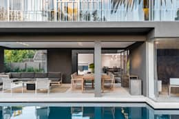 Family Home, Cape Town : modern Pool by GSQUARED architects