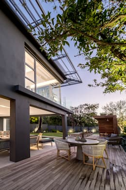 Family Home, Cape Town : modern Houses by GSQUARED architects